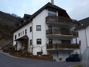 Ferienwohnung Burg Eltz - Binningen