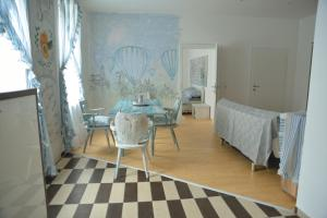 Kunst Apartment im Schwalbenhaus