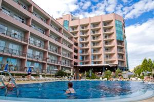 Hotel Lilia, Отели  Золотые Пески - big - 43