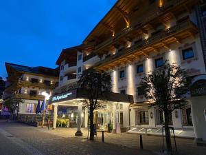JUFA Alpenhotel Saalbach - Hotel - Saalbach Hinterglemm
