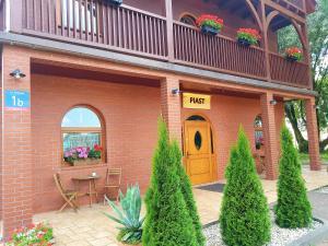 Gościniec Piast Hotel i Camping