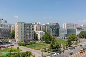 Marszałkowska 140 Apartments in the Center Warsaw by Renters