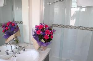 Villandry Villas-Melbourne 4Bdrms,Spacious,Clean & Comfortable, Villen  Coolaroo - big - 10