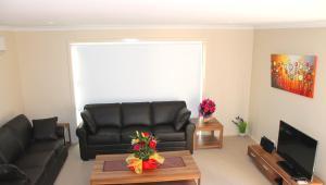 Villandry Villas-Melbourne 4Bdrms,Spacious,Clean & Comfortable, Villen  Coolaroo - big - 13