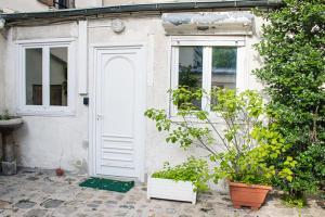 STUDIO near PARIS