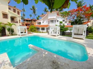 DELUXE BEACH HOUSE with WIFI P..