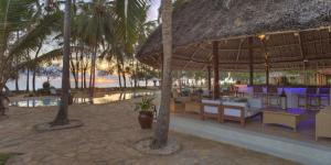 Bluebay Beach Resort & Spa (32 of 48)