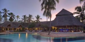 Bluebay Beach Resort & Spa (5 of 48)