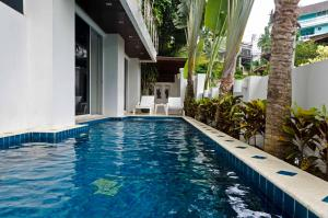 The 4 bedroom White Villa Patong - Ban Trai Trang