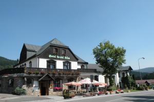 Albergues - Hotel Lesní dům