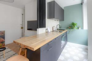 Beautiful BRIGHT apt in BELAIR district 12th