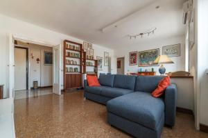 Roomy and Bright Apartment with Terrace - abcRoma.com