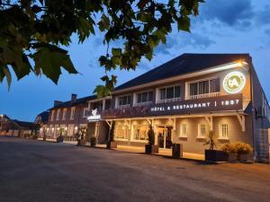 Location gîte, chambres d'hotes Logis Hôtel l'Amandier dans le département Pyrénées Atlantiques 64