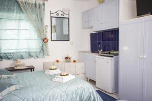 Amaryllis Apartments & Studios, Aparthotely  Glastros - big - 42