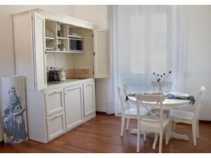 The Best Rent - Romulus and Remus apartments close to Colosseo - abcRoma.com