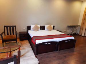 Manor Inn Suites Super Deluxe Room