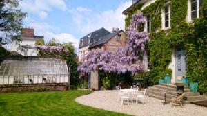 Chambres d'hotes Autour de la Rose, Bed and Breakfasts  Honfleur - big - 16