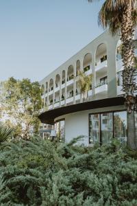 Flower Hotels & Resorts