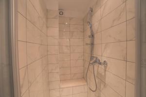 Chic Apartment, Ferienwohnungen  Split - big - 9
