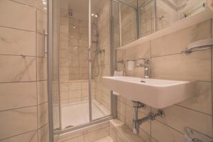 Chic Apartment, Ferienwohnungen  Split - big - 15