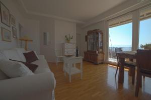 Chic Apartment, Ferienwohnungen  Split - big - 17