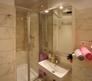 Chic Apartment, Ferienwohnungen  Split - big - 26
