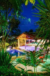 Macaco Surf Hostel