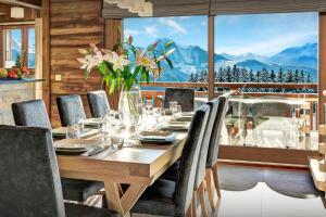Location gîte, chambres d'hotes Luxury ski chalet hot tub & hammam nature setting & views - OVO Network dans le département Haute Savoie 74