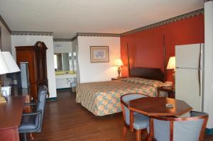 . Granbury Inn and Suites