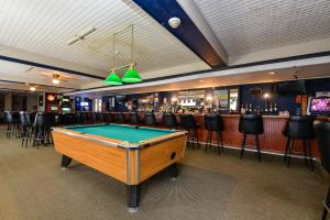 Americas Best Value Inn Cleveland Airport, Hotels  Brook Park - big - 9