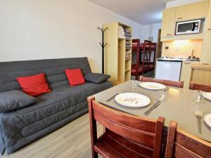 Appartement Chamrousse, 1 pi?ce, 4 personnes - FR-1-340-220