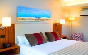 Hotel Bicentenario Suites & Spa, Hotely  San Miguel de Tucumán - big - 1