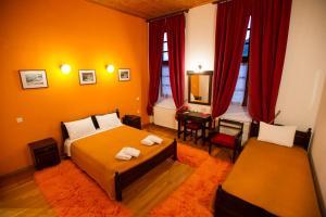 Δίκλινο Δωμάτιο - με 1 διπλό ή 2 μονά κρεβάτια