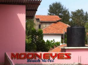 Moon Eyes Beach Hotel