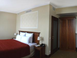 Superior Double Room Club Hotel Yar