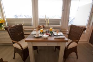 Premium Appartement Rosenmöwe Sylt, Apartmanok  Wenningstedt - big - 9