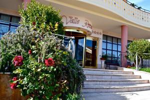 Hotel Valle Rossa - AbcAlberghi.com