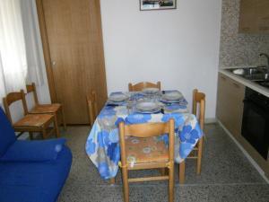 Marconi Bilocale, Апартаменты  Каорле - big - 8