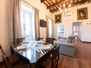 The Best Rent - Beautiful two-bedroom apartment near Colosseo - abcRoma.com