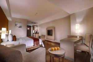 Grand Aston City Hall Hotel & Serviced Residences, Aparthotels  Medan - big - 3