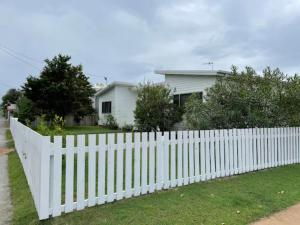 STEPS TO THE SAND - Gorgeous pet friendly beach house with large deck