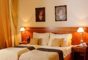 Hotel Raffaello, Hotely  Praha - big - 25