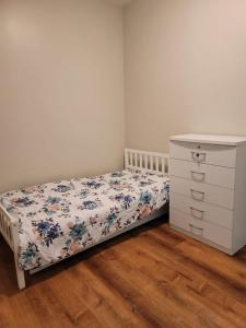 Bedrooms near Fenway & Dowtown boston