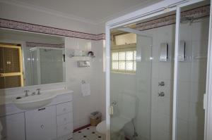 Ensenada Motor Inn and Suites, Motelek  Adelaide - big - 71