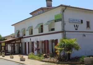 Accommodation in Amou