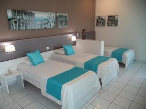 Blue Nest Hotel, Hotel  Tigaki - big - 75