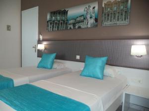 Blue Nest Hotel, Hotel  Tigaki - big - 52