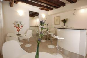 Santa Margherita Guest House - AbcAlberghi.com