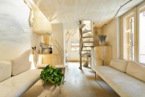 Spanish Steps Tailored Suite - abcRoma.com