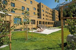 St. Moritz Youth Hostel - Accommodation - St. Moritz